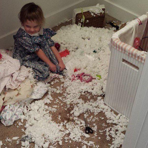 صور كوارث الأطفال الصغار