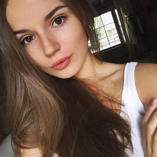 بنات جميلات جمال طبيعي