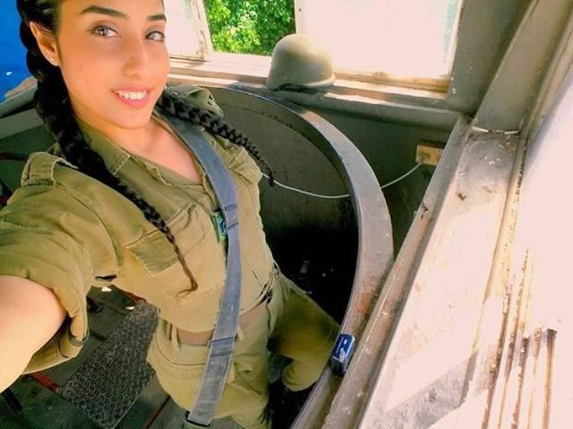 أجمل بنات الجيش الإسرائيلي