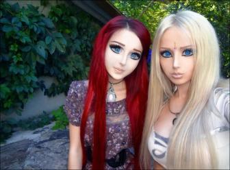 صور بنات مثل دمى بشرية