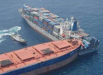 صور حوادث سفن وشاحنات النقل البحري