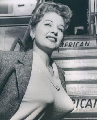 صور أزياء نساء 1940 .
