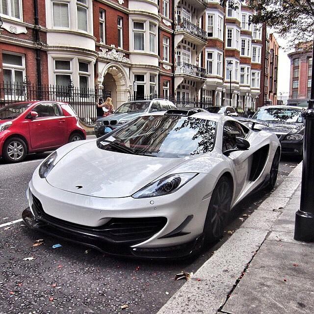 صور لاجمل السيارات في الشوارع