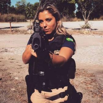 صور اجمل شرطية برازيلية