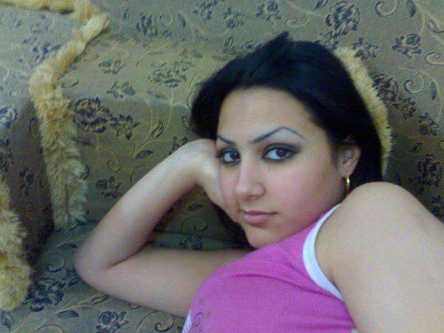 Iraq gril naket image