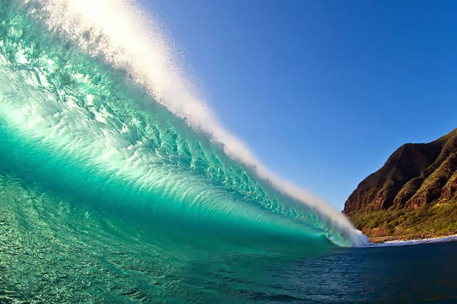 صور جميلة وساحرة لأمواج البحر