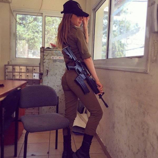 صور مجندة إسرائيلية جميلة جدا